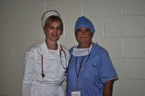 MissCheryl&DeniseFallCarvinal2011 002web